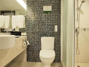 Metropark Hotel Kowloon Hong Kong - Bathroom