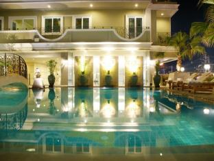 LK Royal Suite Hotel Pattaya - Swimming Pool