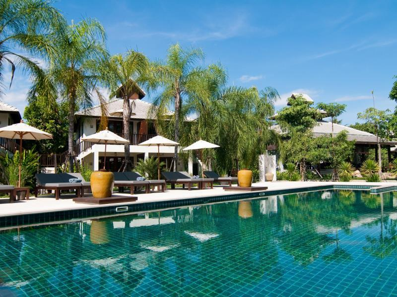 The Quarter Resort