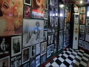 Royal Bellagio Hotel Manila - Filling Station Bar and Cafe