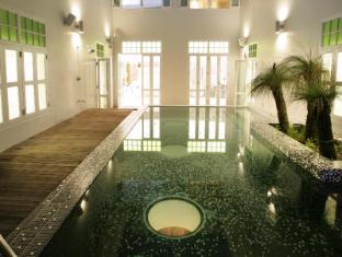 New Majestic Hotel Singapore - Swimming Pool