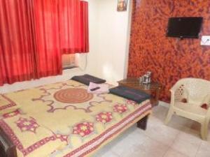 Hotel Omkar Palace