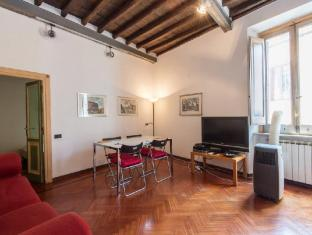 Piazza Navona Charming 2 Bedroom Apartment