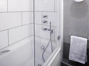 Radisson Blu Charles de Gaulle Airport Hotel Paris - Bathroom