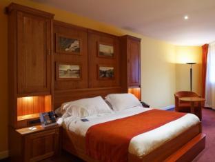 Radisson Blu Charles de Gaulle Airport Hotel Paris - Guest Room