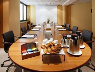 Radisson Blu Charles de Gaulle Airport Hotel Paris - Meeting Room