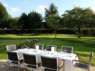 Radisson Blu Charles de Gaulle Airport Hotel Paris - Garden