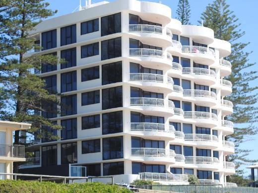 Albatross North Apartments