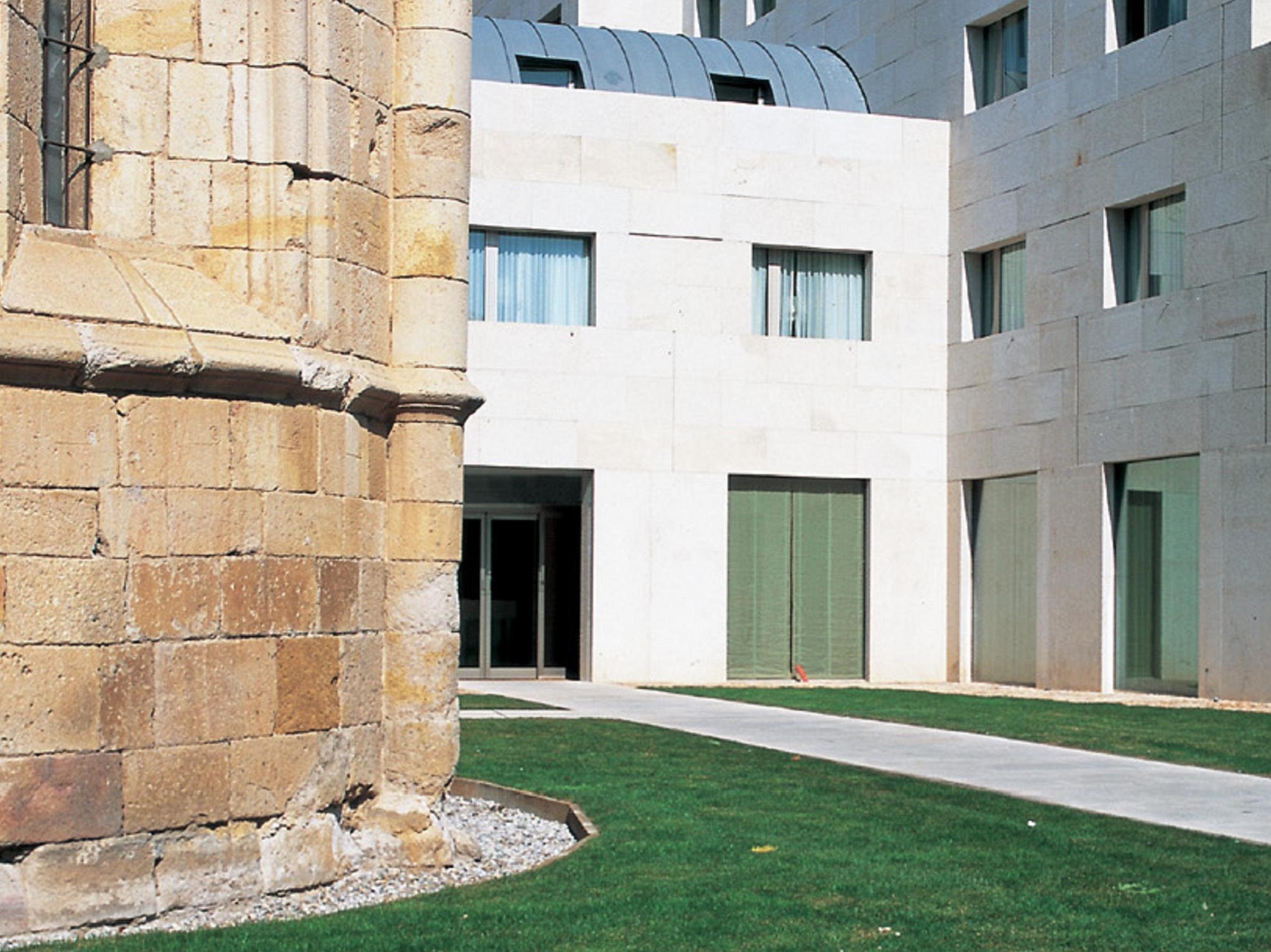 NH Palacio Del Duero
