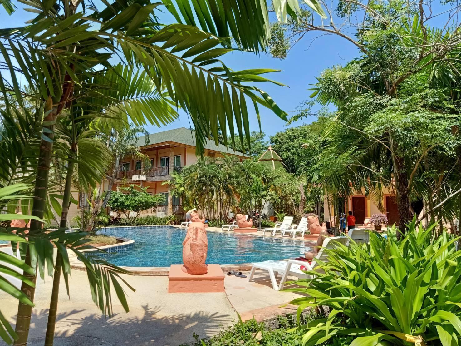 Coconut Beach Resort โคโคนัท บีช รีสอร์ต