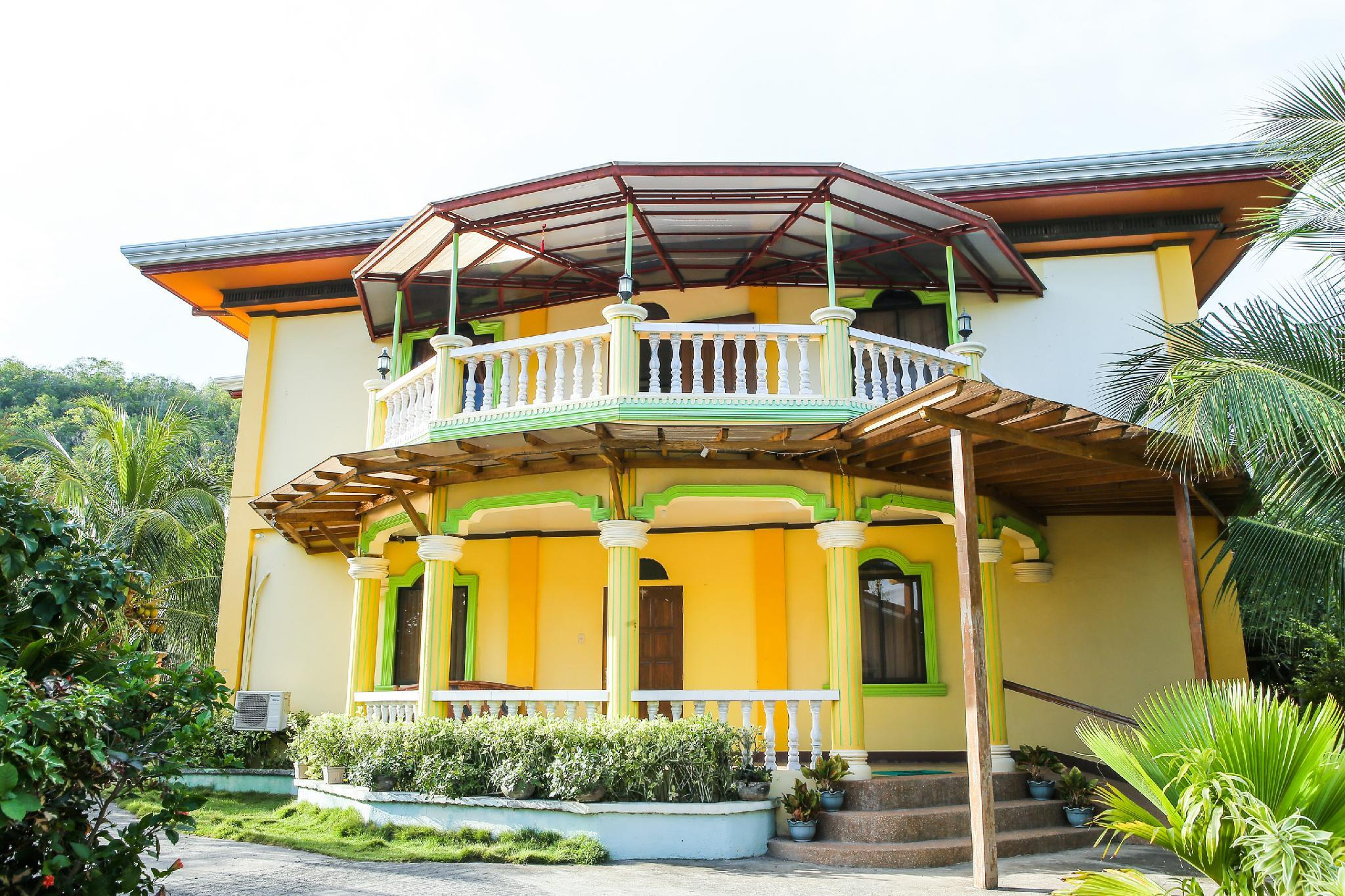 OYO 422 Villa Emilia Pension House