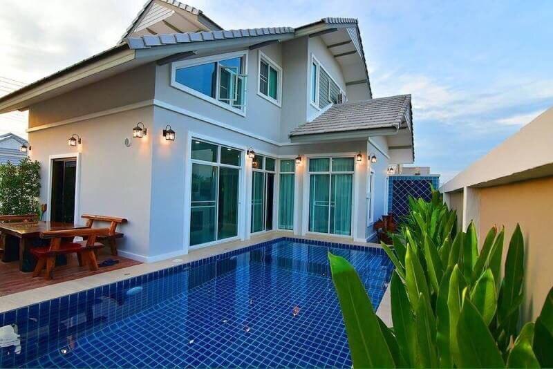 Cozy Beachfront Villa 3BR   VVH8