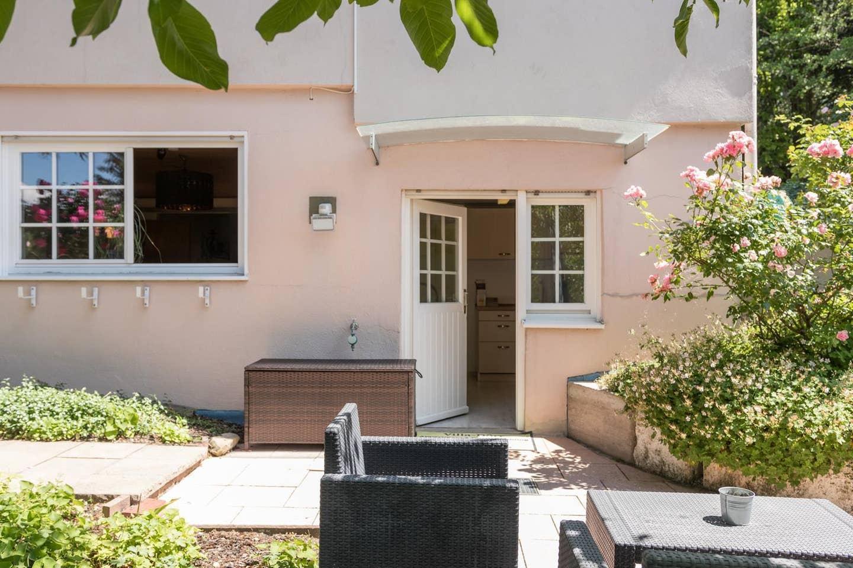 House 100 Sqm + 1500 Sqm Garden