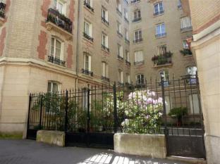 Apartment Paris 3 1