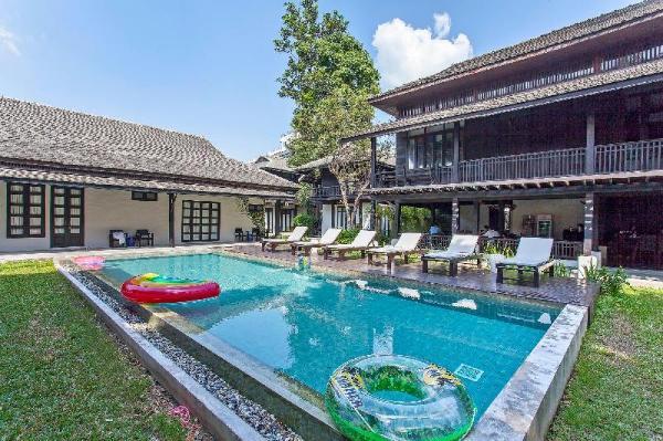Sweet Dreams Villa 14BR Sleep 28 w/Pool  Chiang Mai