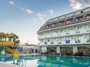 Armas Resort Hotel