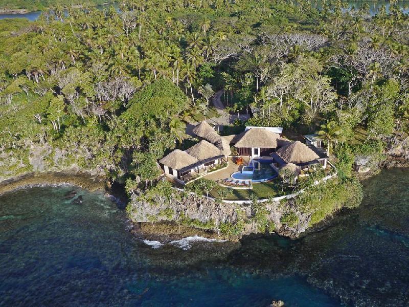 Wavi Island Private Villa