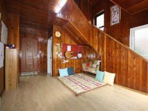 Zak's Guesthouse
