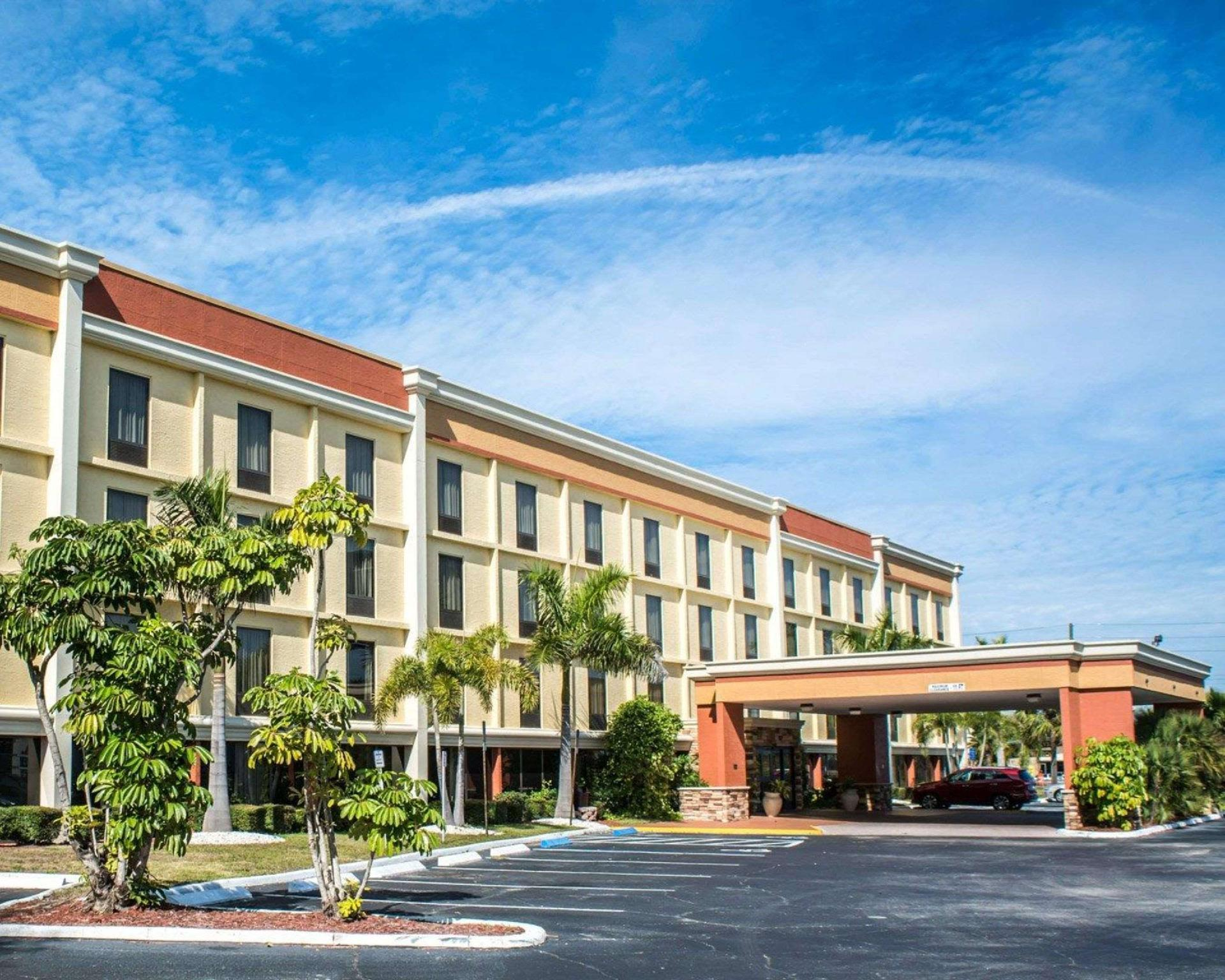 Comfort Inn And Suites Clearwater Pinellas Park