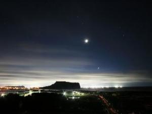 城山浦天空酒店-Goodstay认证 (Seongsanpo Sky Hotel)