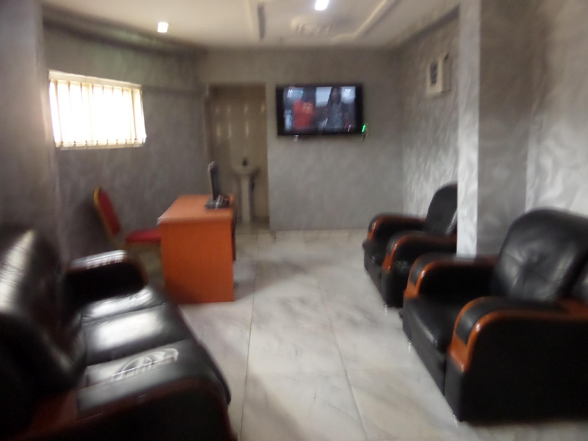 Green Royal Suites Annex