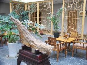 Dunhuang Yuetian Business Hotel