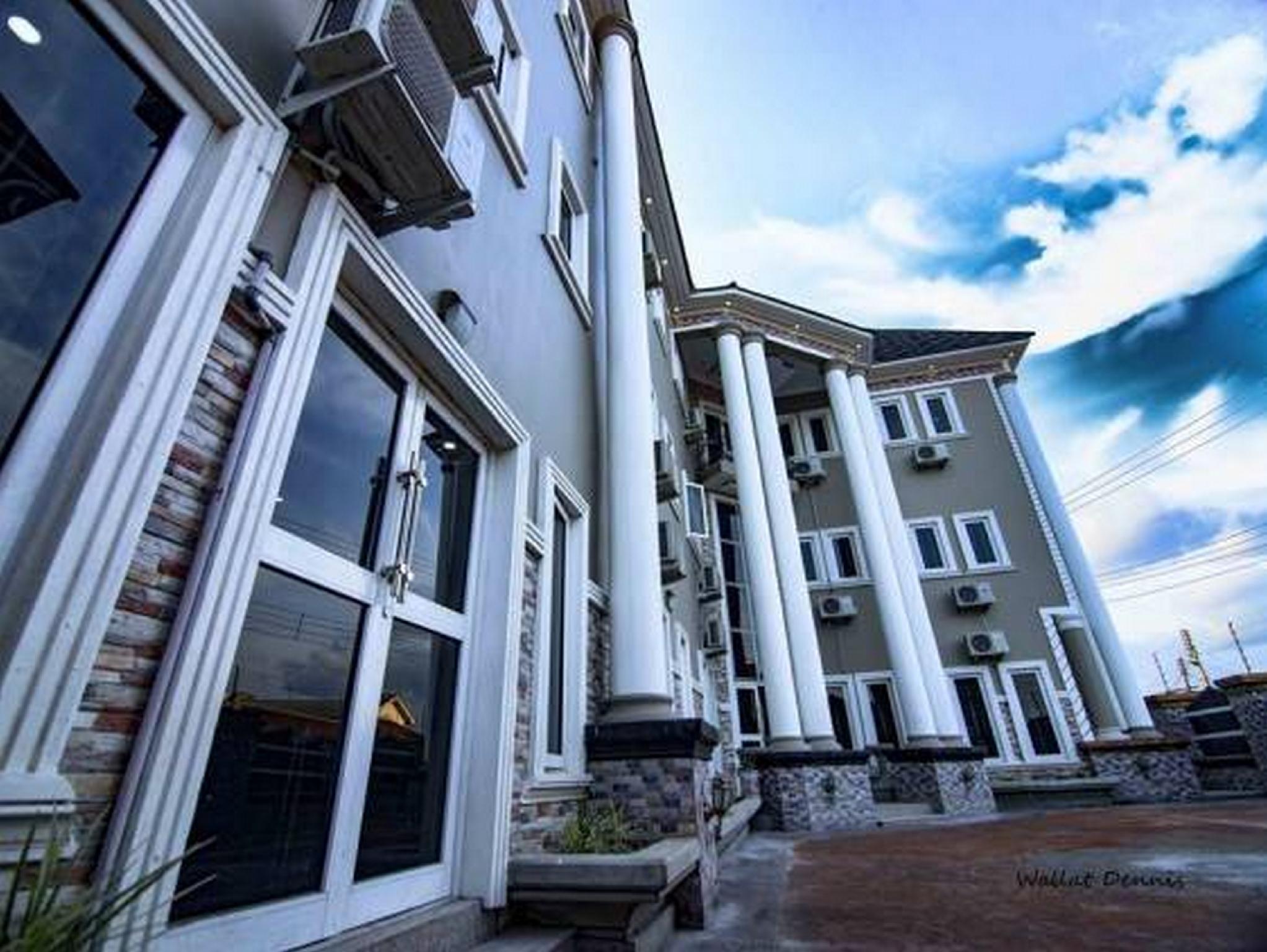 Bluxton Hill International Resort