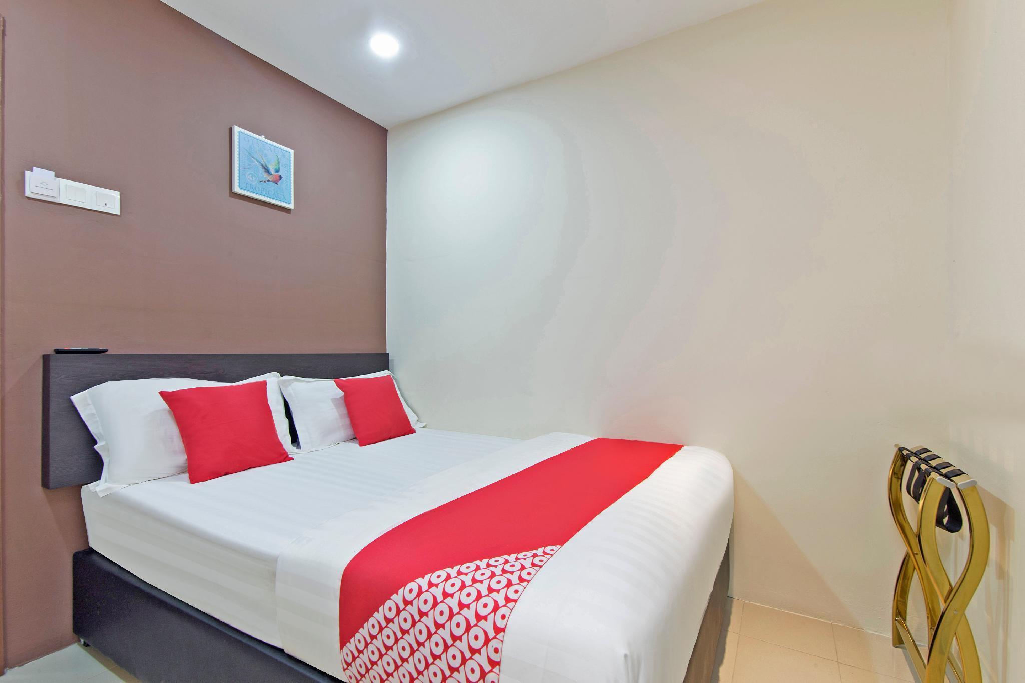 OYO 12 TownHouse Apartment Mansyur Residence
