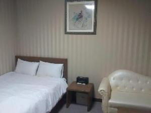 Lord Tourist Hotel
