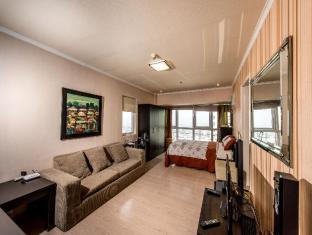 Cocoon @ BGC Soma Apartment