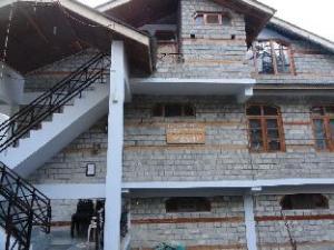 Manali Mountain Villa