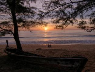 SALA Phuket Resort and Spa Phuket - Beach