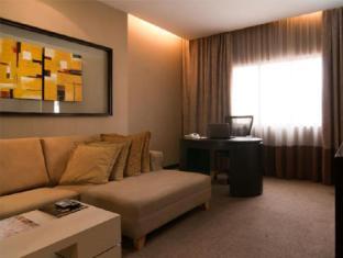 Citrus Hotel Kuala Lumpur by Compass Hospitality Kuala Lumpur - Executive Suit Living Area