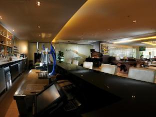 Riverside Majestic Hotel Kuching - Club Lobby Lounge