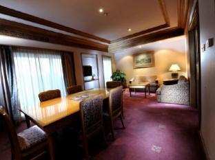 Riverside Majestic Hotel Kuching - Guest Room