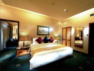 Riverside Majestic Hotel Kuching - Club Studio