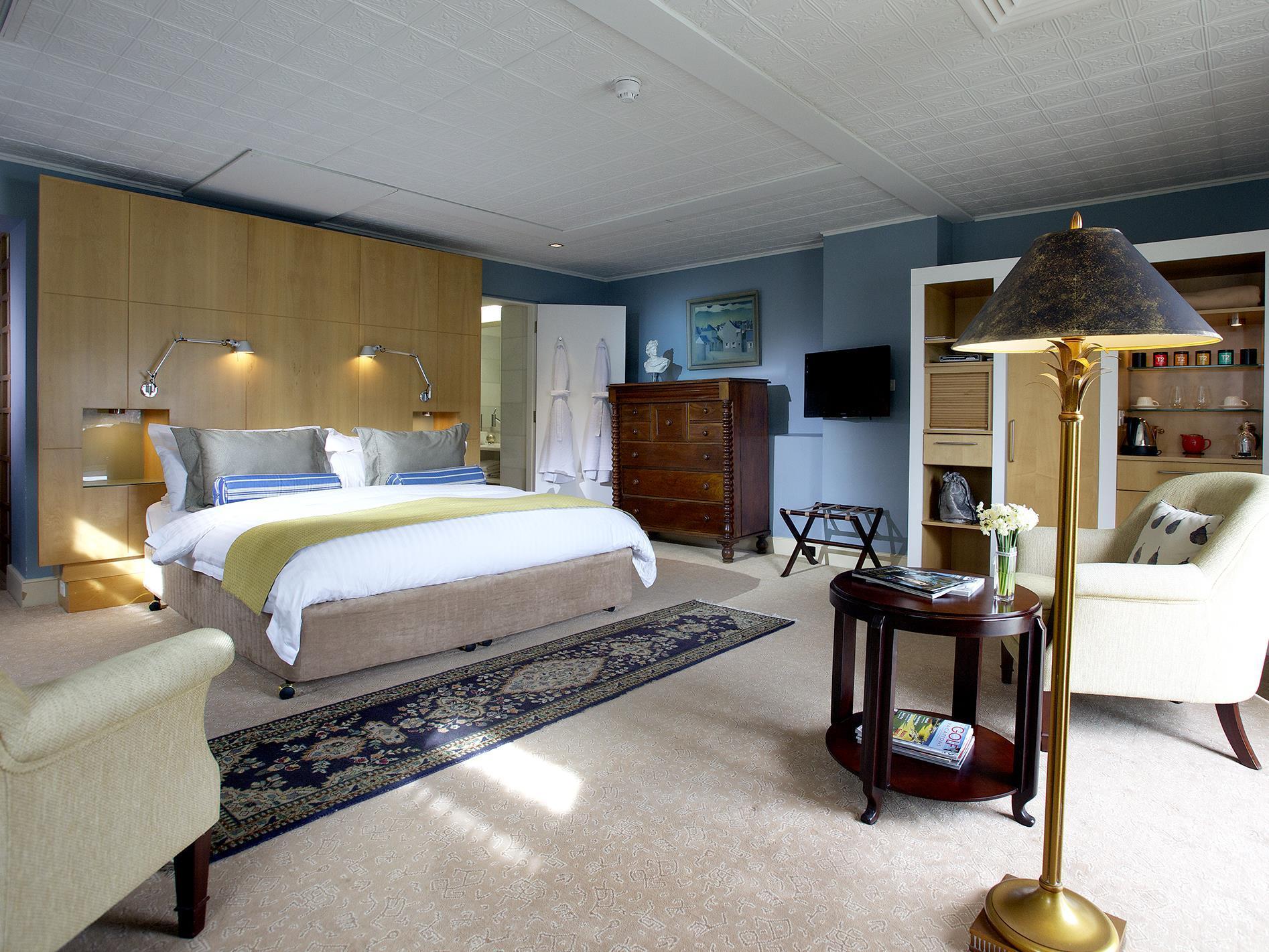 Review Islington Hotel