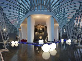 Q1 Resort and Spa Gold Coast - Lobby