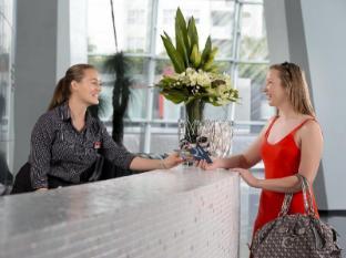 Q1 Resort and Spa Gold Coast - Reception