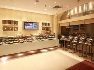 J5 Rimal Hotel Apartments Dubai - Le Cafe buffet