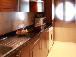 J5 Rimal Hotel Apartments Dubai - Suite Kitchen