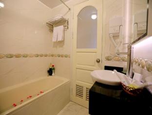 Moon View 2 Hotel Hanoi - Bathroom