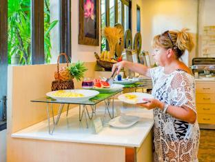Nipa Resort Phuket - Food and Beverages