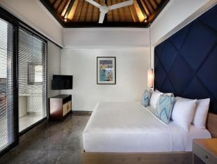 Peppers Seminyak Bali - 2 Bedroom Pool Villa - King bed