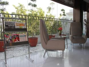 Hotel Palace Heights New Delhi and NCR - Reception