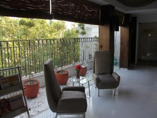 Hotel Palace Heights New Delhi and NCR - Pub/Lounge