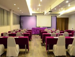 Chaydon Sathorn Bangkok - Meeting Room
