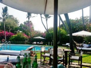 Trident Chennai Hotel Chennai - Pool Side Area