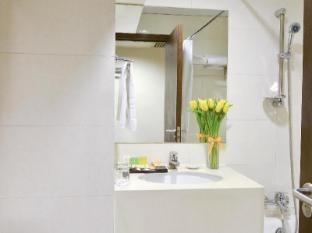 Walden Hotel Hong Kong - Bathroom