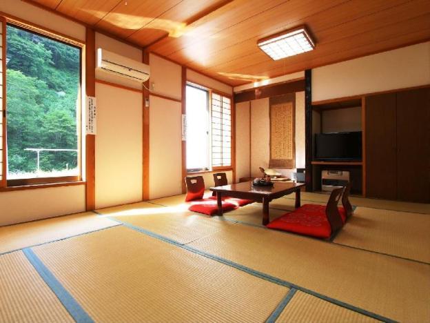 Kiriake Riverside House